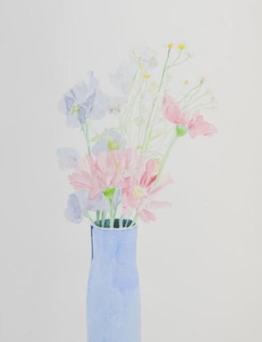 青い花瓶の花
